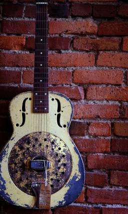 yellow guitar, Nashville, TN; X-E1 by bill fortney